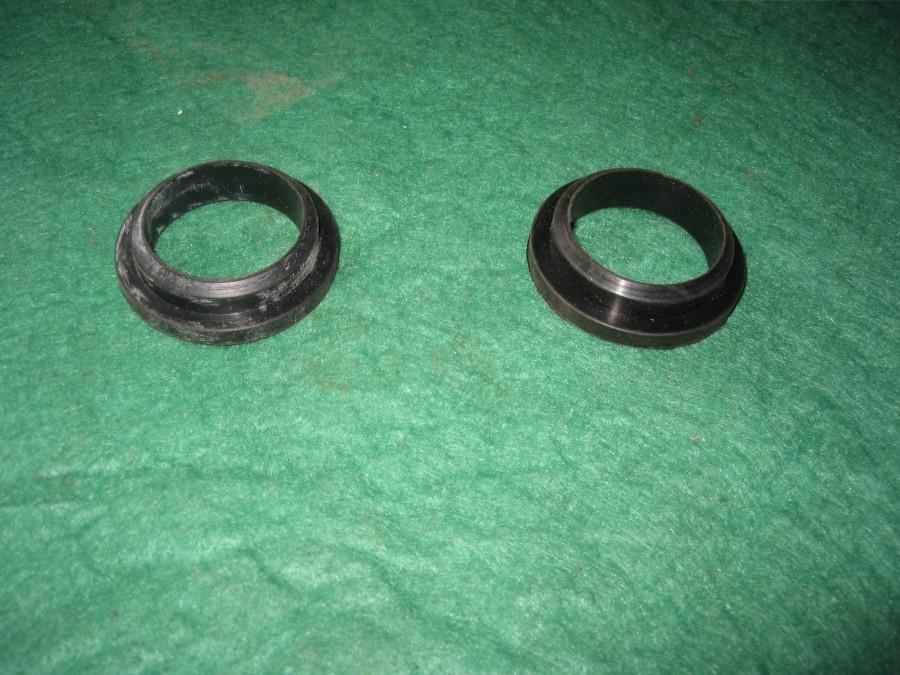 gomas soporte orejas faro ducati(2 unidades)